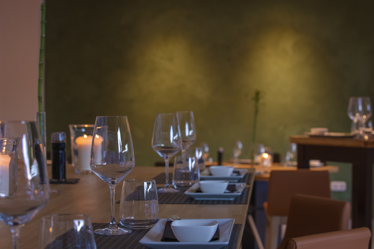 Available for lease, the best sushi bar in Marbella - an elegant blend between the best of the japan,Spain