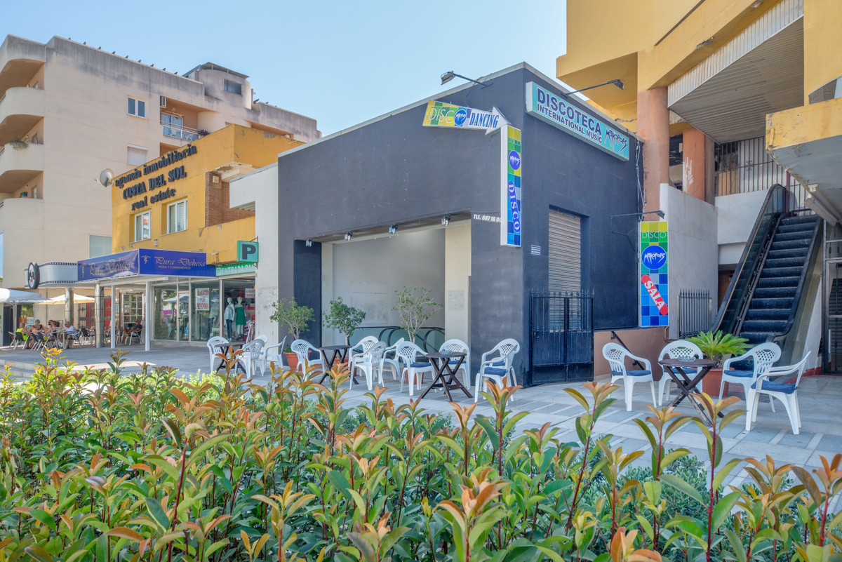 Fantastic local currently a disco located in the heart of Torremolinos in the Plaza Costa del Sol, o, Spain