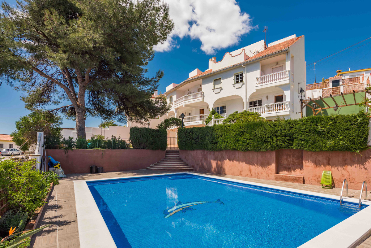 Villa-business: 3 townhouses. As you already know, the holiday home triumphs on the Costa del Sol, i, Spain