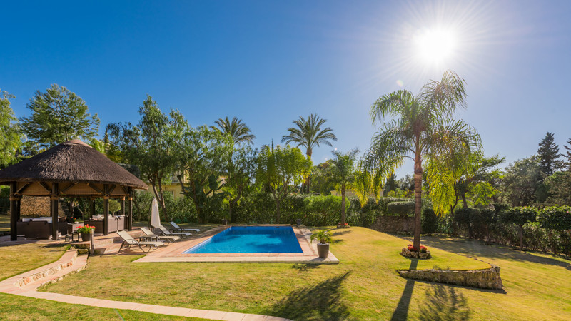 Villa – Chalet en venta, El Paraiso – R3362017