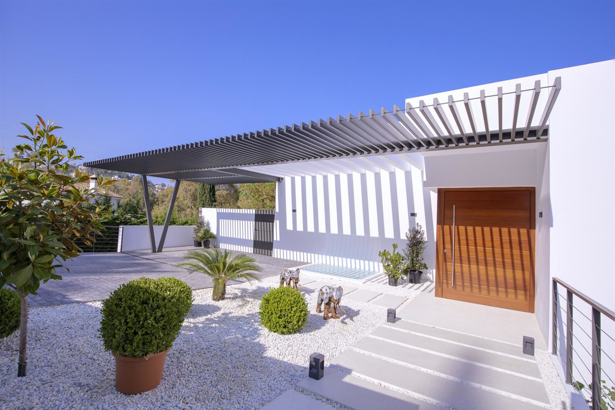 4 bedroom villa for sale benahavis