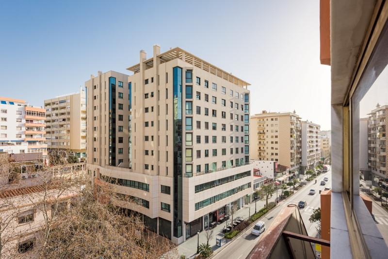 Marbella Banus Oficina en venta en Marbella – R2613170