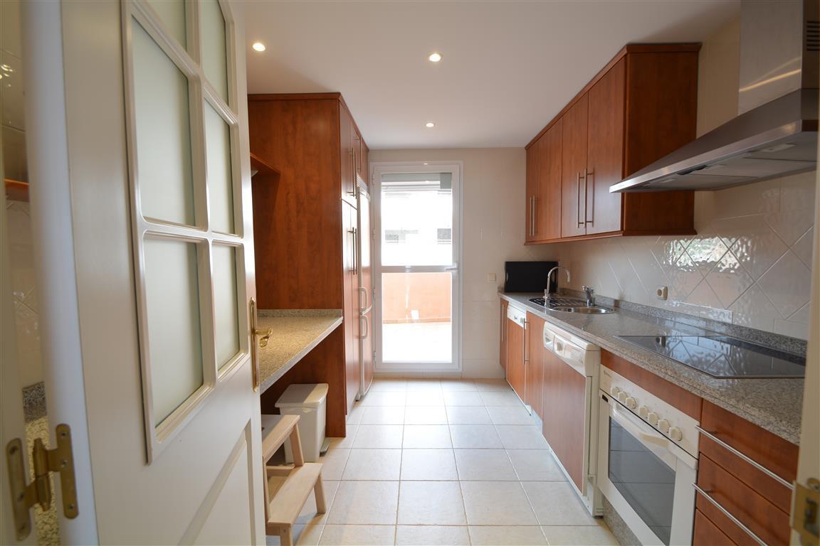Apartamento Planta Media en Venta en Elviria – R3270730