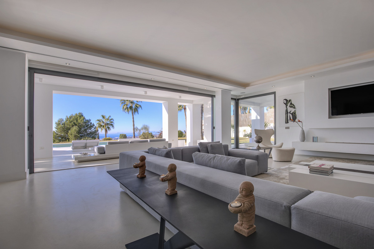 7 Bedroom Villa For Sale - Sierra Blanca