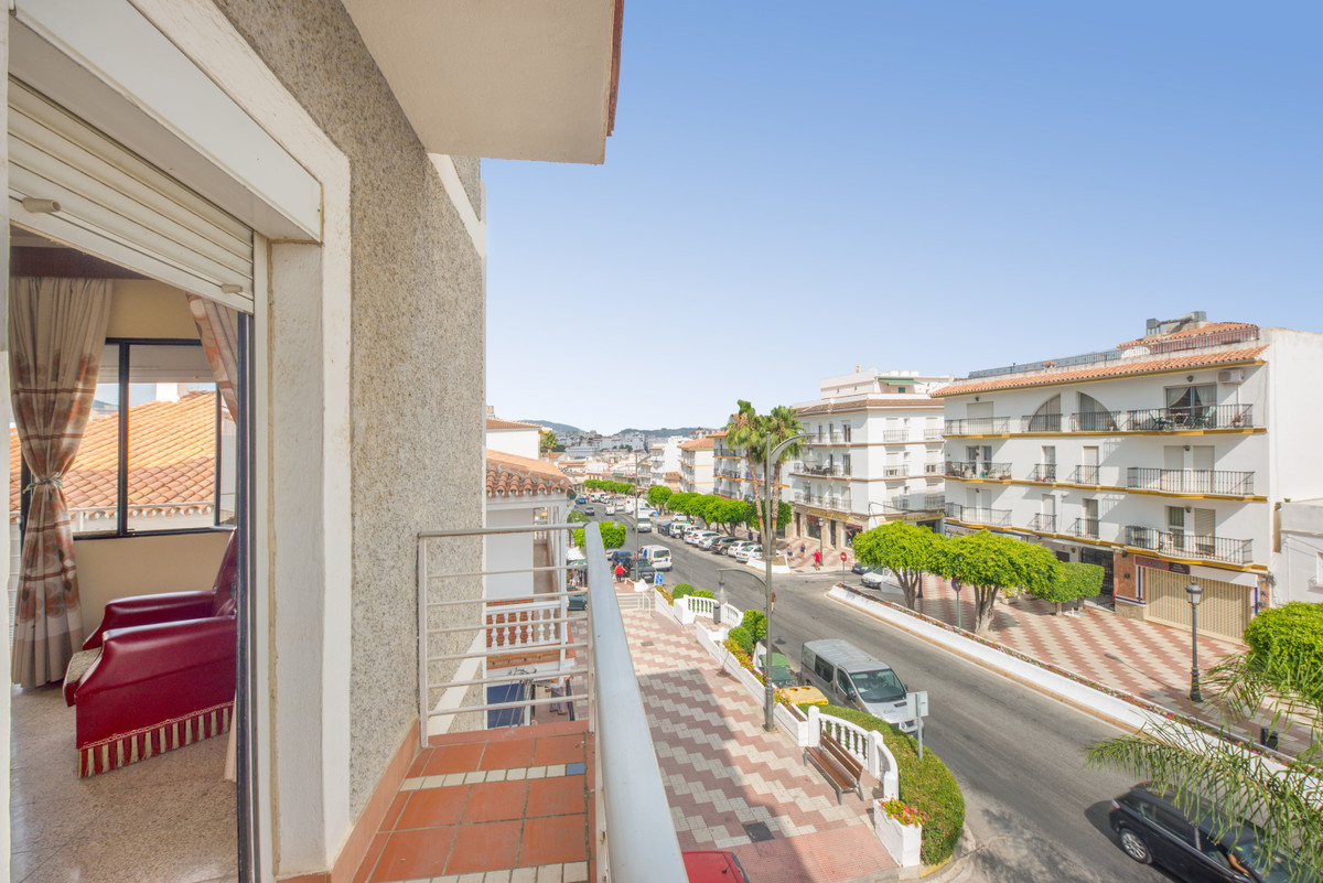 4 Bedroom Middle Floor Apartment For Sale Alhaurín el Grande