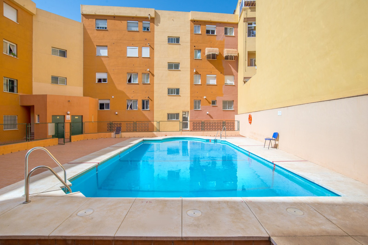 Spacious apartment in Las Lagunas distribuited in kitchen, living-room, 4 bedrooms, 2 bathrooms and ,Spain