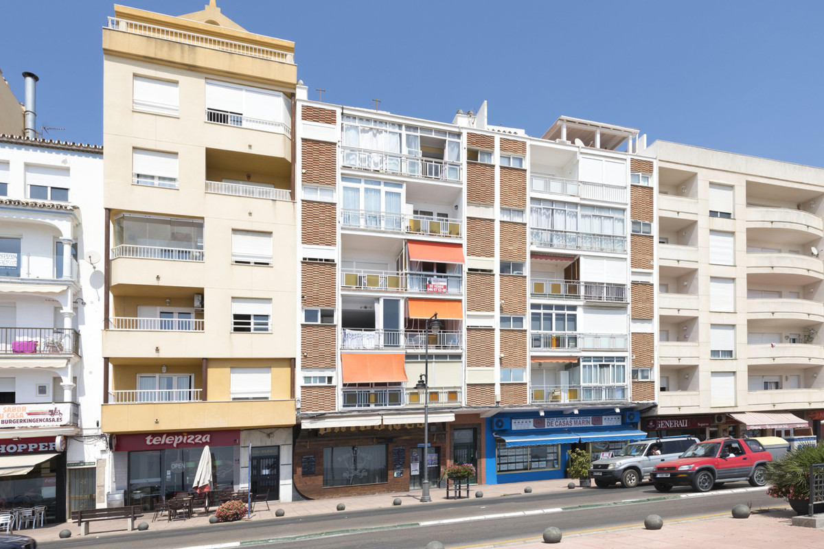R3532846 | Middle Floor Apartment in Estepona – € 165,000 – 1 beds, 1 baths