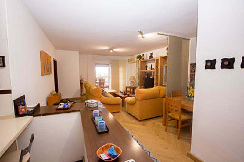 Apartment located in an urbanization with swimming pool in the reformed mercadona area with open spa,Spain