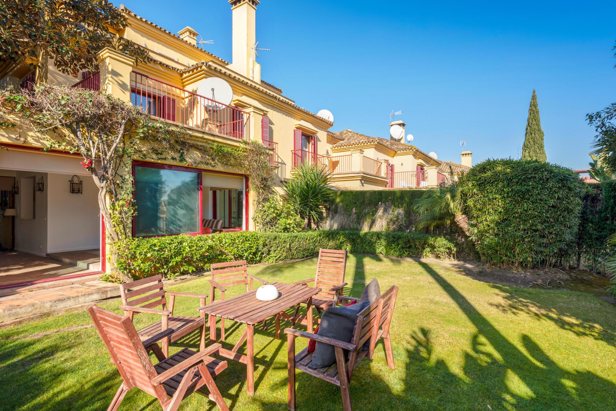 Beautiful town house in Sotogrande beach side, lots of privacy with superb access. In a 10 property ,Spain