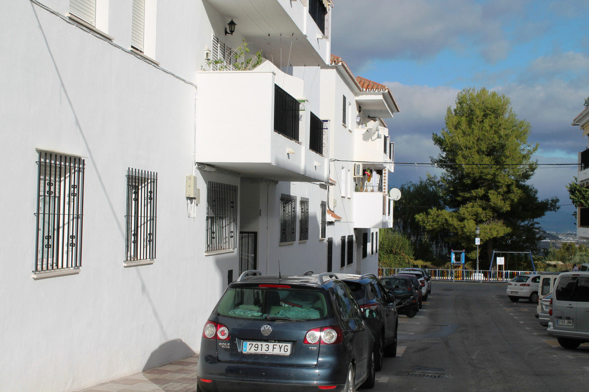 Middle Floor Apartment for sale in Alhaurín el Grande