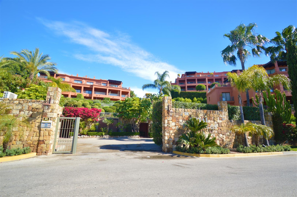 Incredible apartment with fabulous sea views. In an exclusive development located in Los Flamingos, , Spain