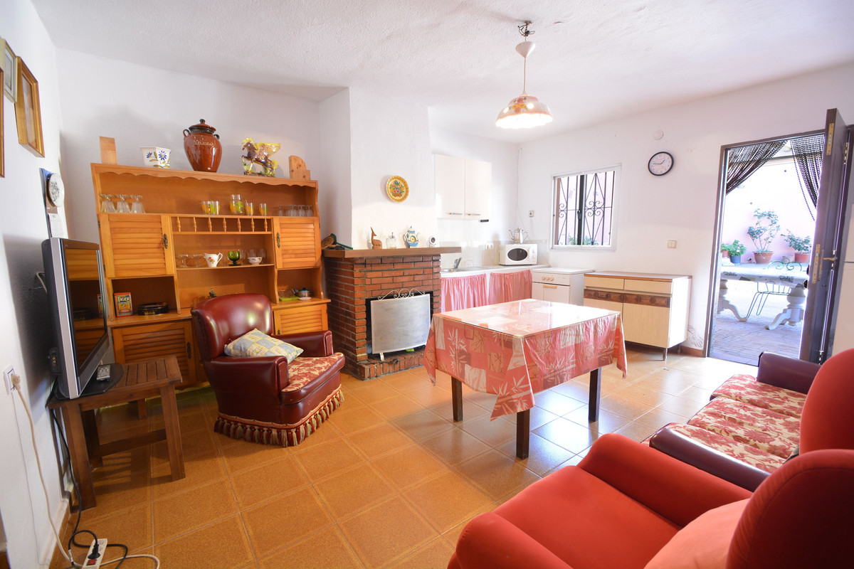 R3540163 | Land in Marbella – € 350,000