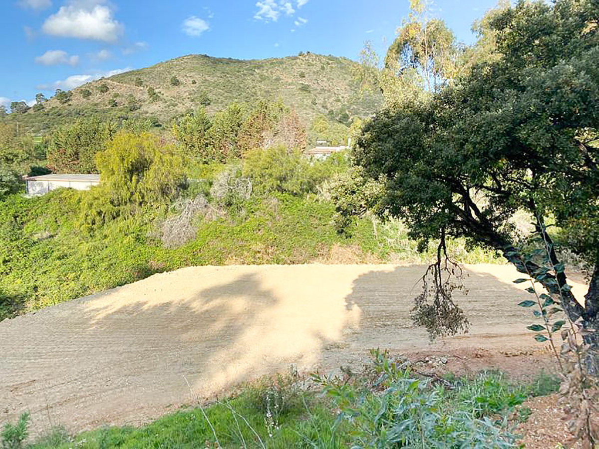 This might just be the perfect plot for the villa of your dreams. Located in Puerto del Almendro on ,Spain