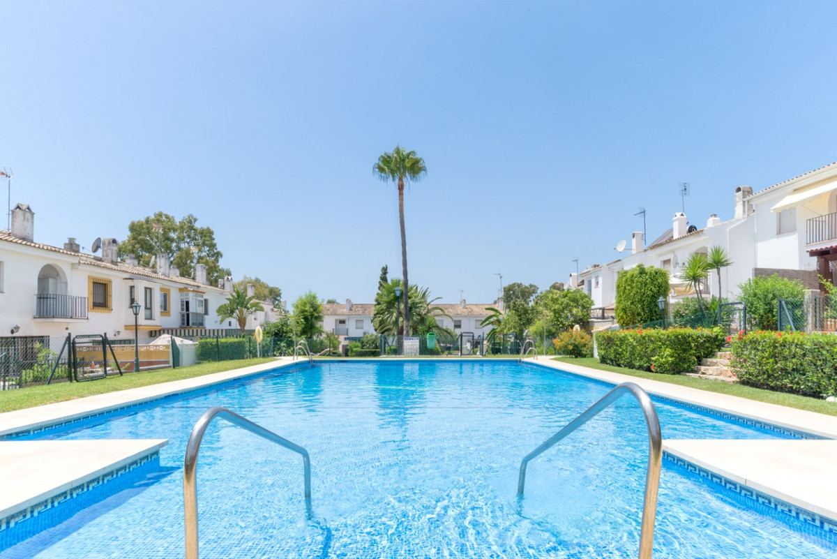 Bright townhouse with three beds and three baths, 40 sqm of terraces, lounge with fireplace, kitchen,Spain
