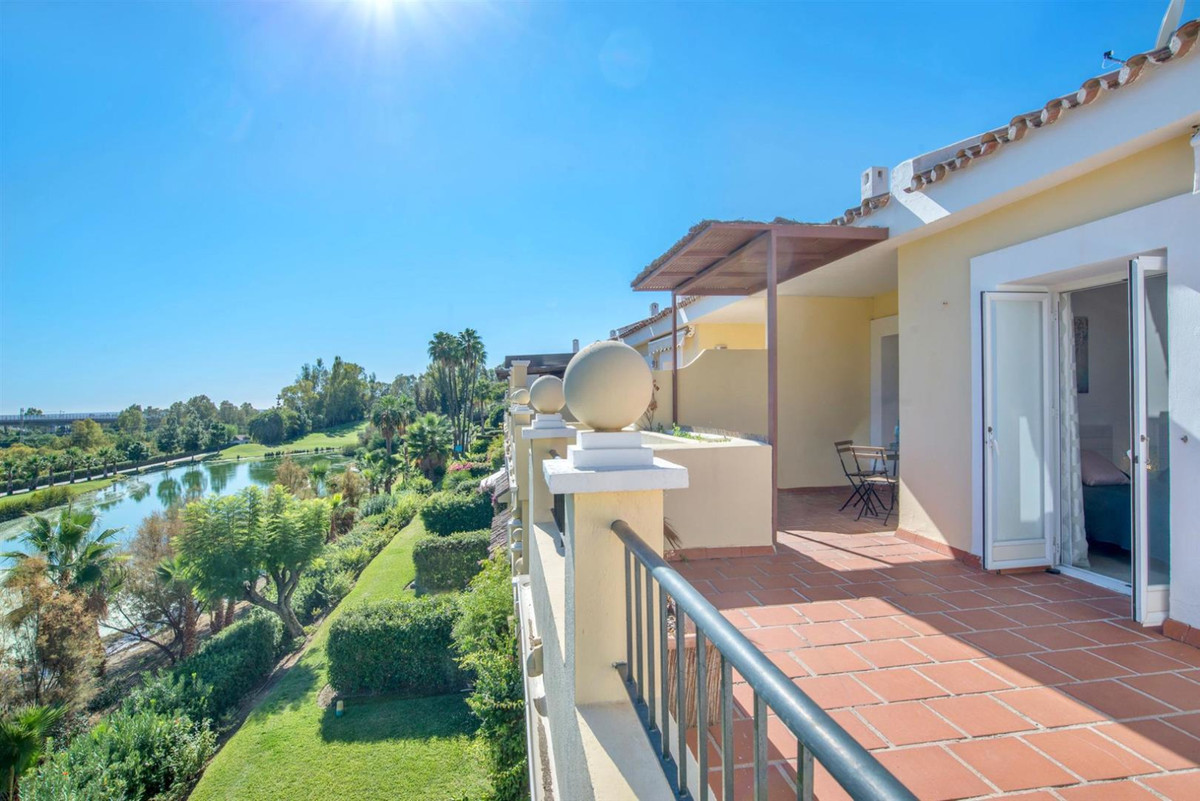 Top floor apartment  frontline of La Quinta Golf with incredible panoramic views  For sale beautiful, Spain