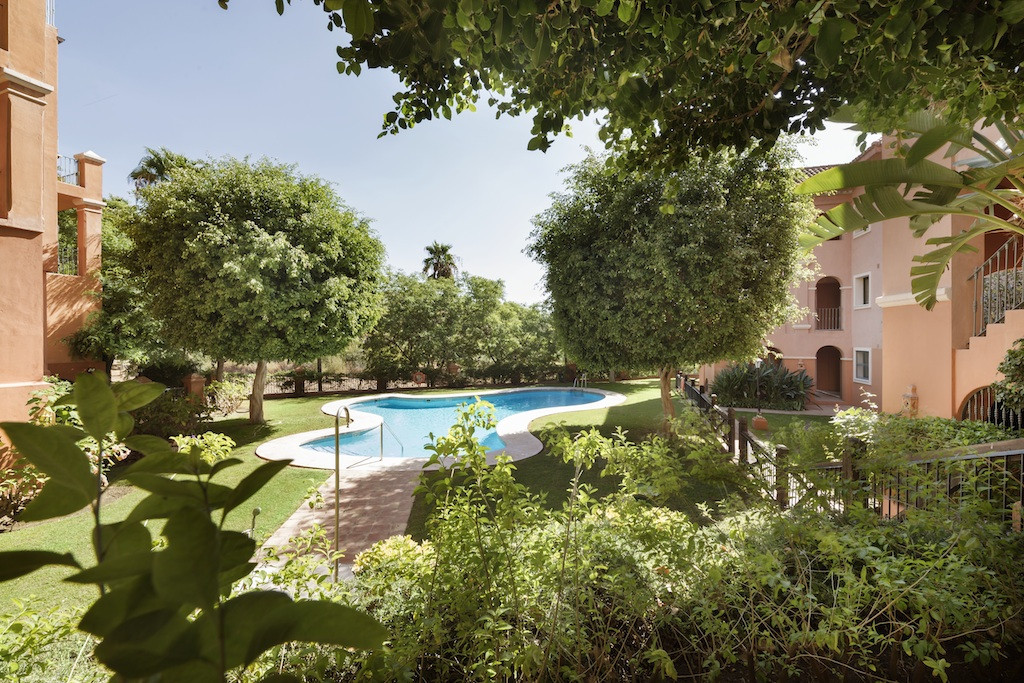 A modern luxury apartment with three bedrooms located in one of the most exclusive areas of the Cost,Spain