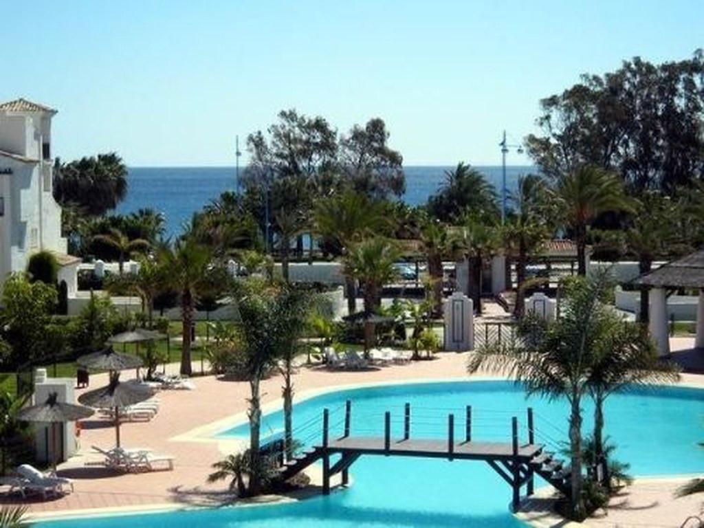 Marbella Banus Apartamento en Venta en San Pedro de Alcántara – R3497389