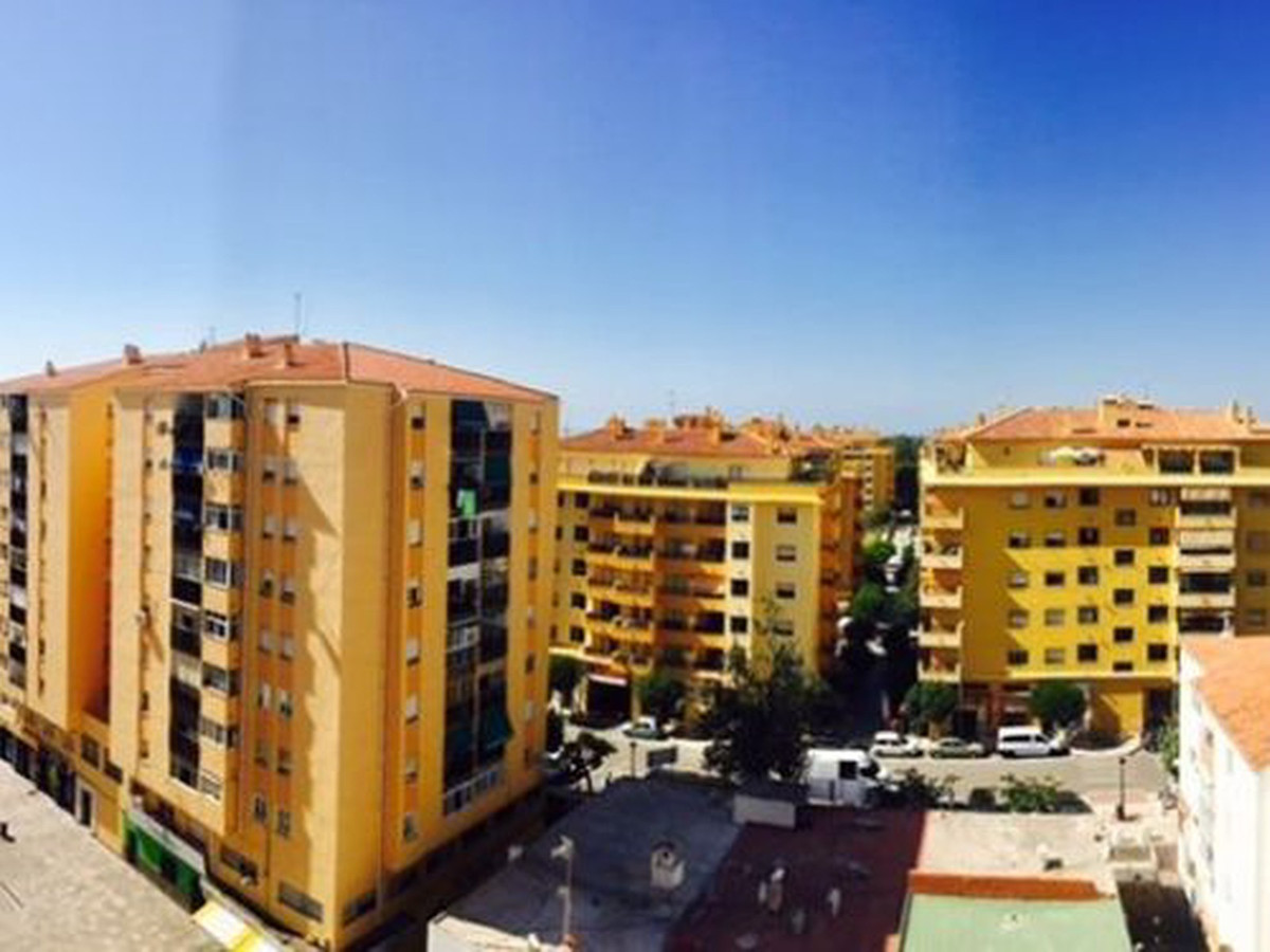 Unrepeatable opportunity in the center of San Pedro! Ideal for young families, second residence or a, Spain