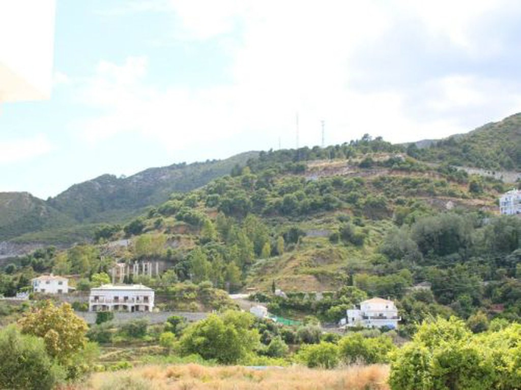 Beautiful apartment in the beautiful village of Ojen. It is 15 minutes from Marbella and the A-7 mot,Spain