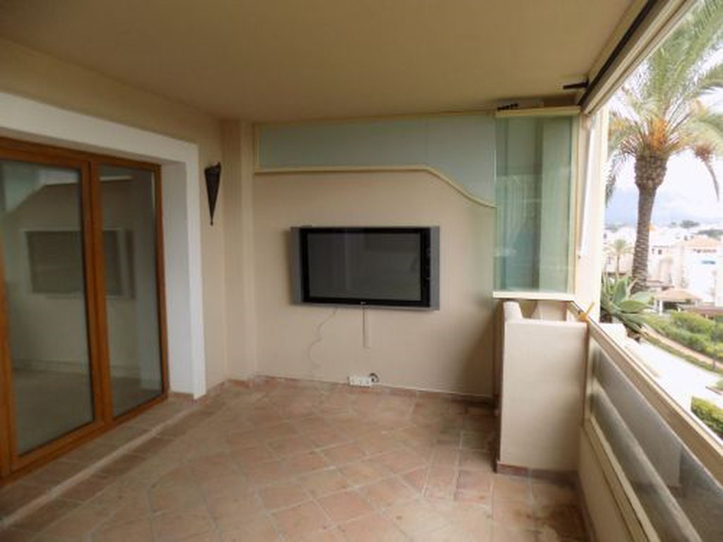 R3299761: Apartment for sale in Estepona