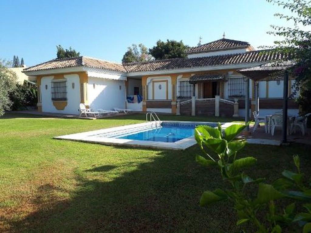 Villa  Independiente en venta   en Guadalmina Alta