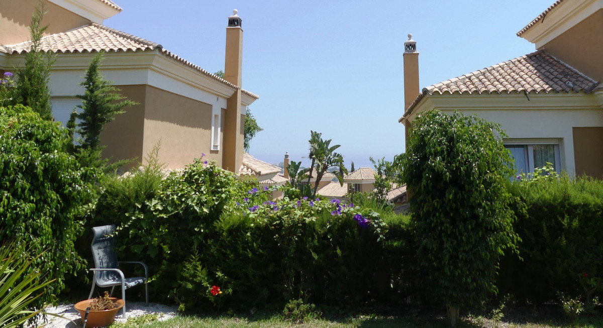 Impressive house in Santa Clara Golf with views of Mediterranean Sea.  Property: Well located 3 bedr,Spain