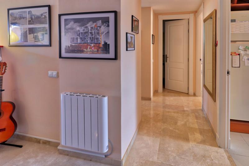Apartamento Planta Media en venta, Calahonda – R3266299