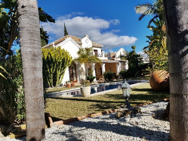 Villa for Sale <br/> in El Paraiso