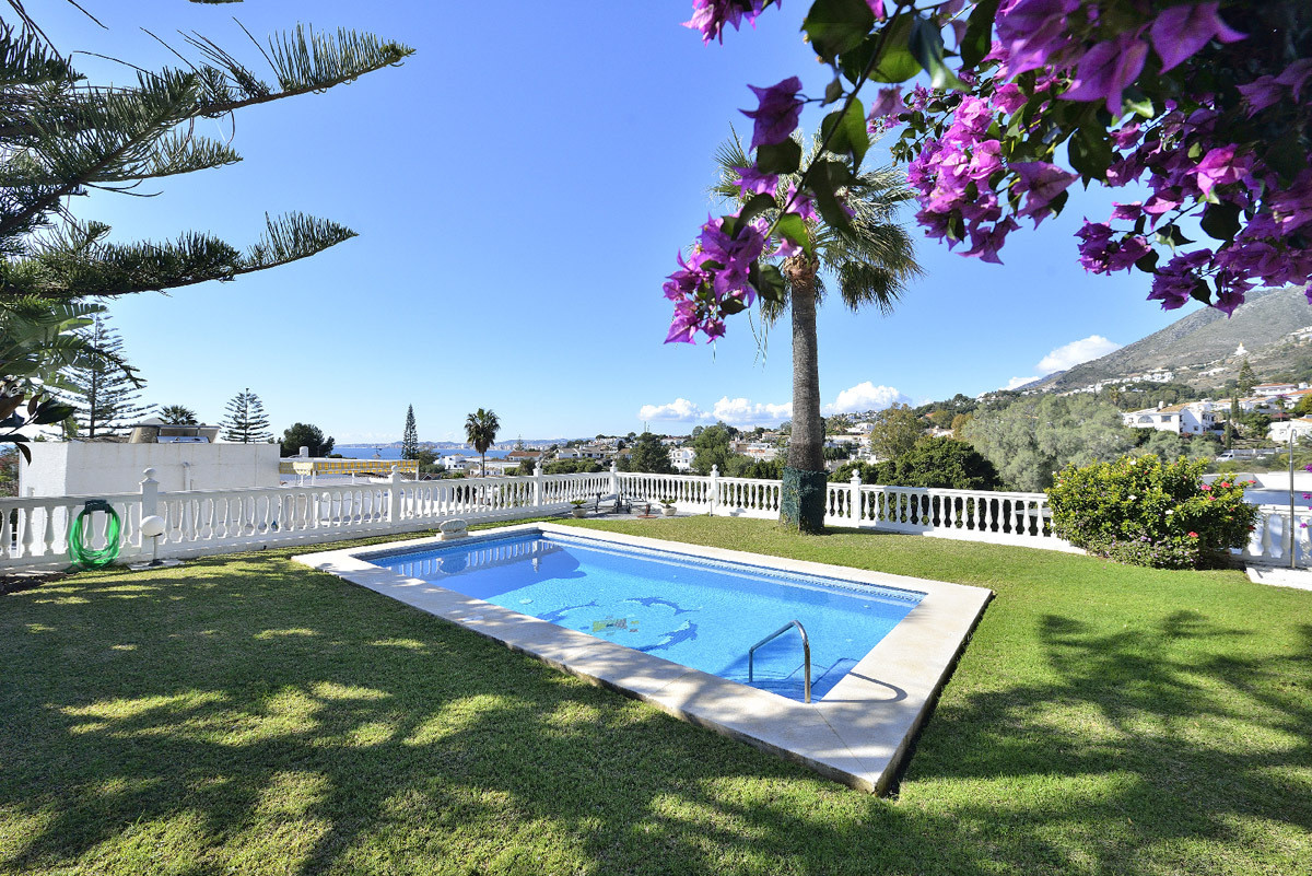 Villa for Sale <br/> in Benalmadena Costa