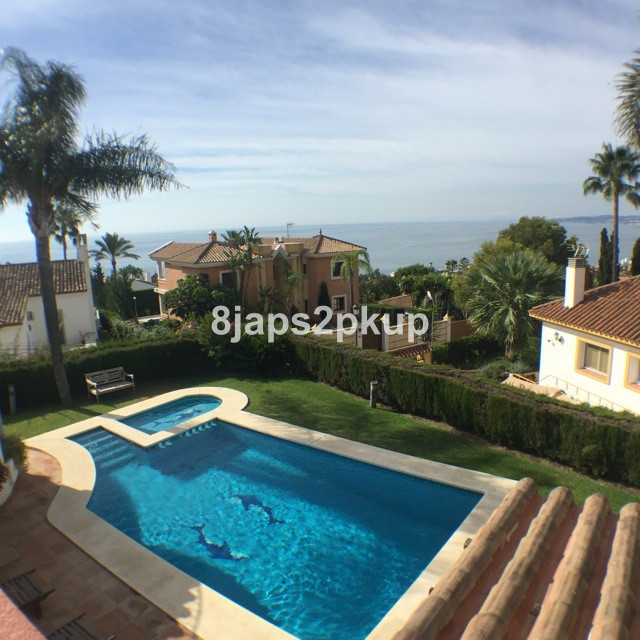 Villa for Sale <br/> in Estepona