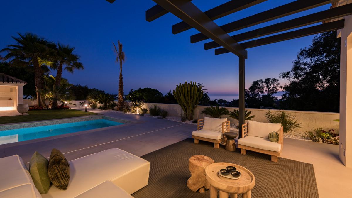 Detached Villa for sale in Elviria R3666713
