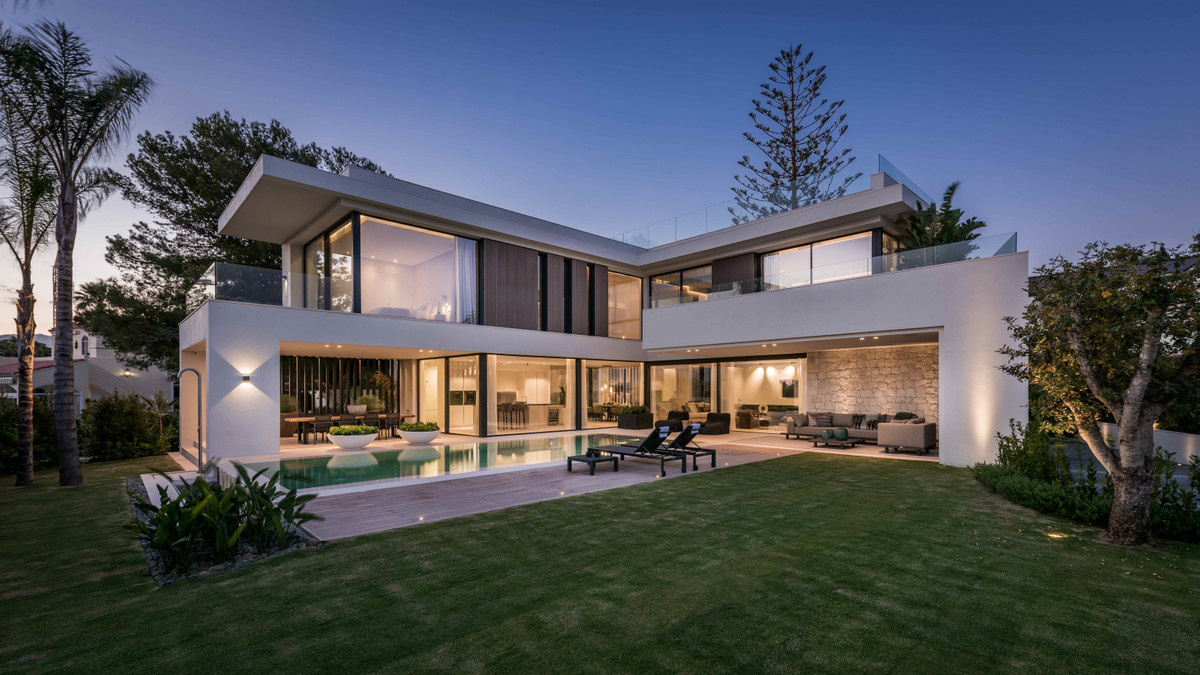 A brand new contemporary signature villa designed by the reknown Argentinean architect Carlos Lamas,,Spain