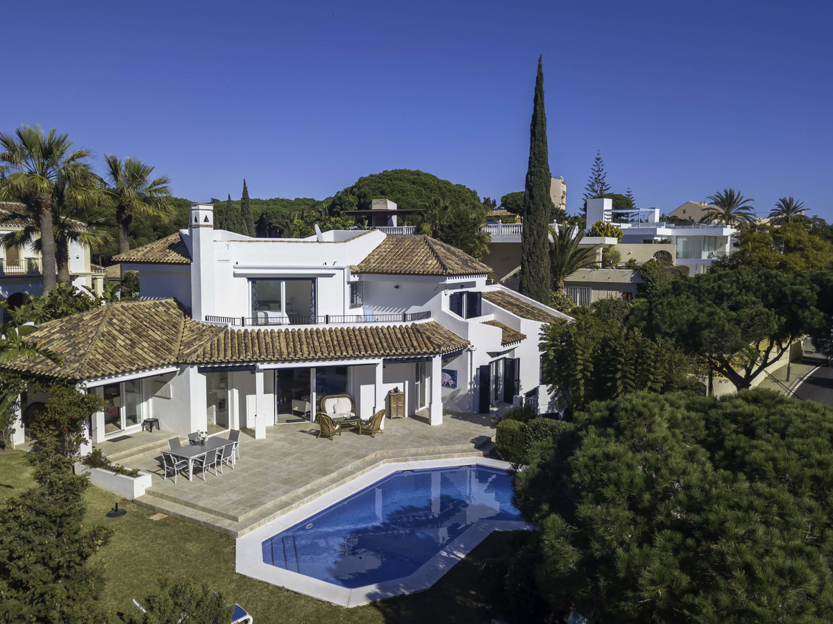 A great Mediterrean style villa, recently renovated, located in Marbesa, only a few minutes away fro,Spain