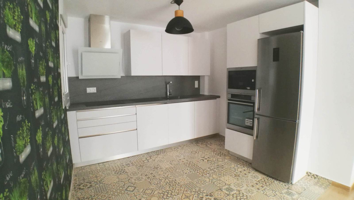 Ref:R2885621 Townhouse - Terraced For Sale in Estepona