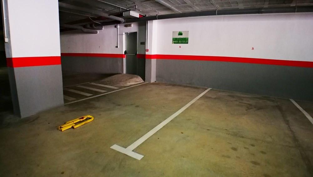 R2884796: Commercial - Garage for sale in La Duquesa