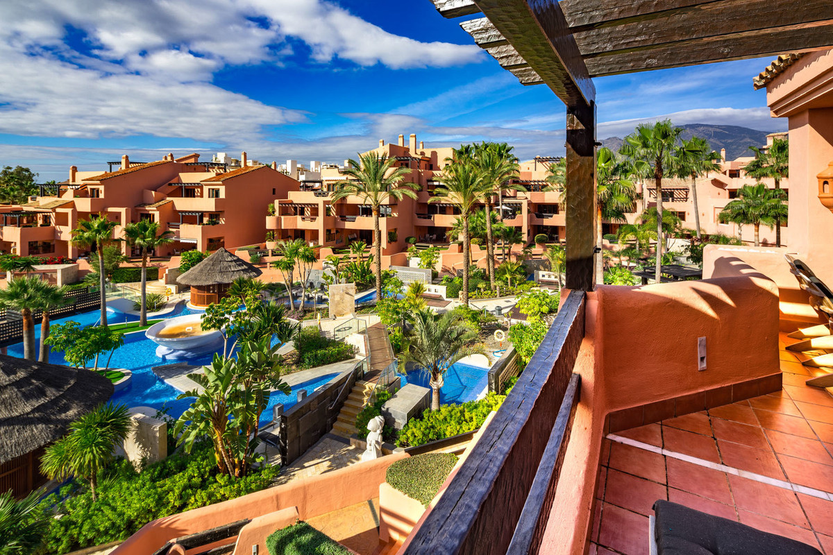 Ref:R3043913 Apartment - Penthouse For Sale in Estepona