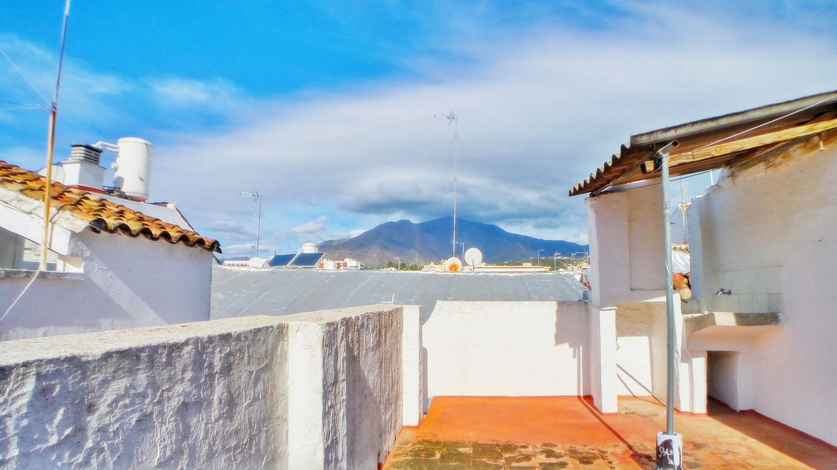 Ref:R2760677 Townhouse - Terraced For Sale in Estepona