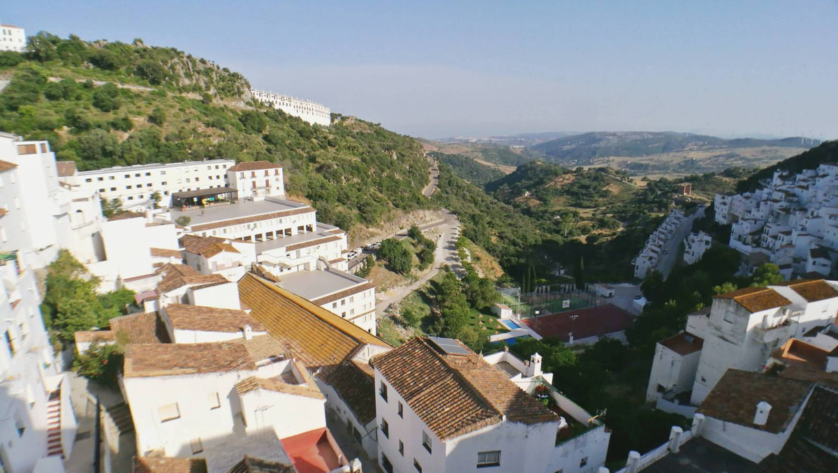 R2938781: Commercial - Hotel for sale in Casares