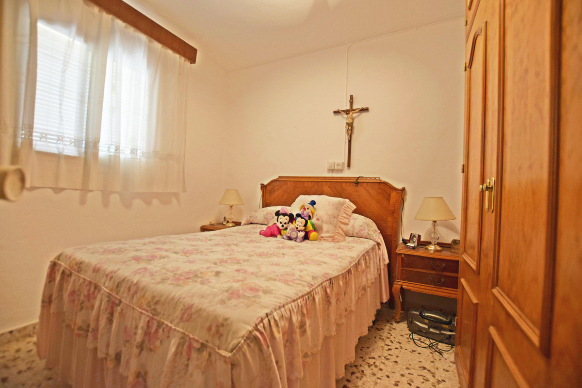 Finca for sale in Estepona