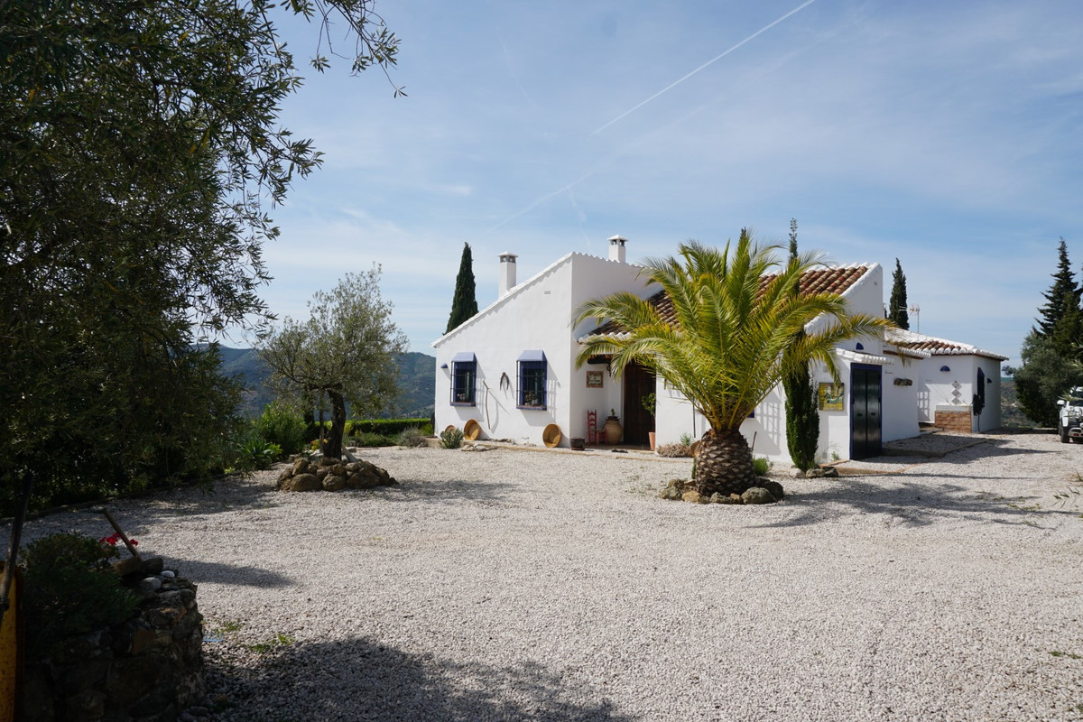 For sale, country-house, Rio Gordo, Malaga, Andalucia A haven of peace and tranquility at a stone&ap, Spain