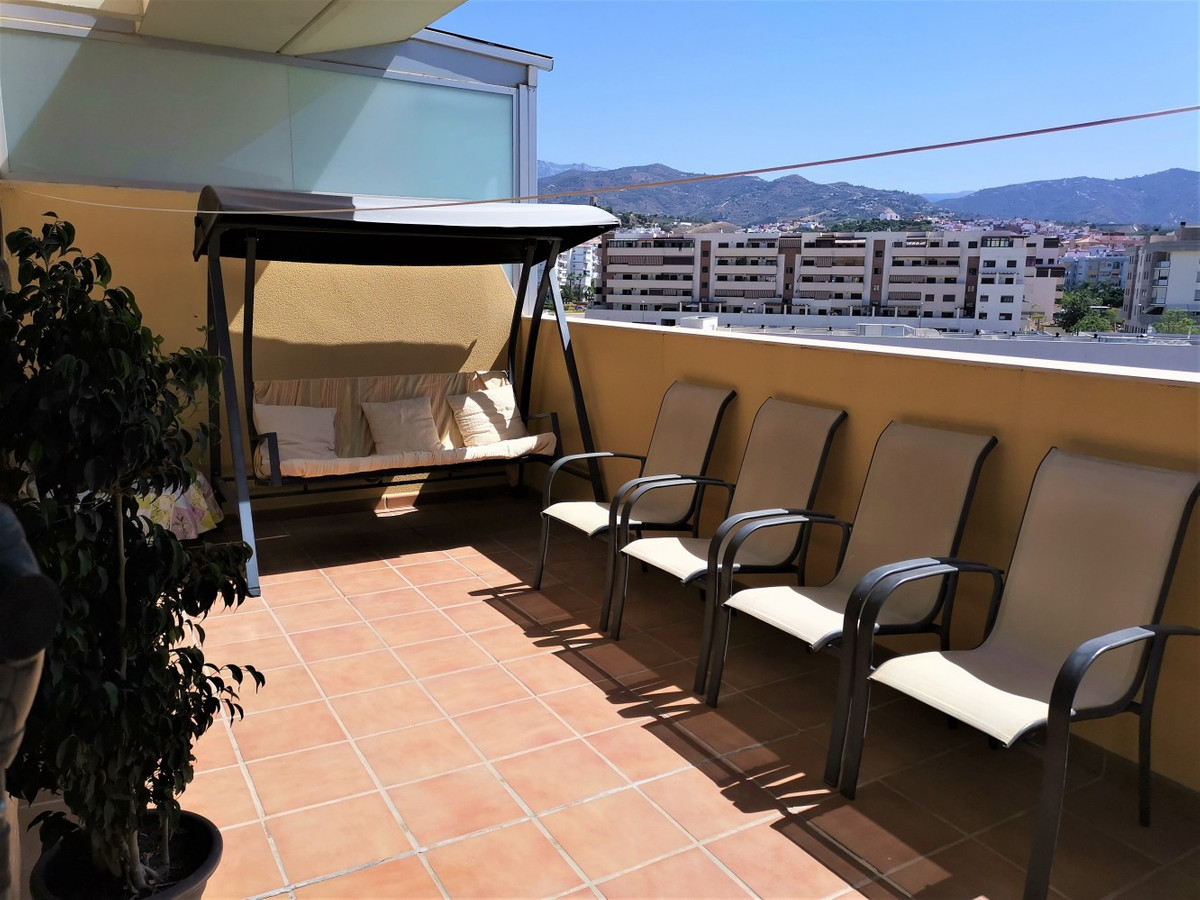 Built in 2009, this beautiful duplex penthouse is in particularly good condition and has a modern in,Spain
