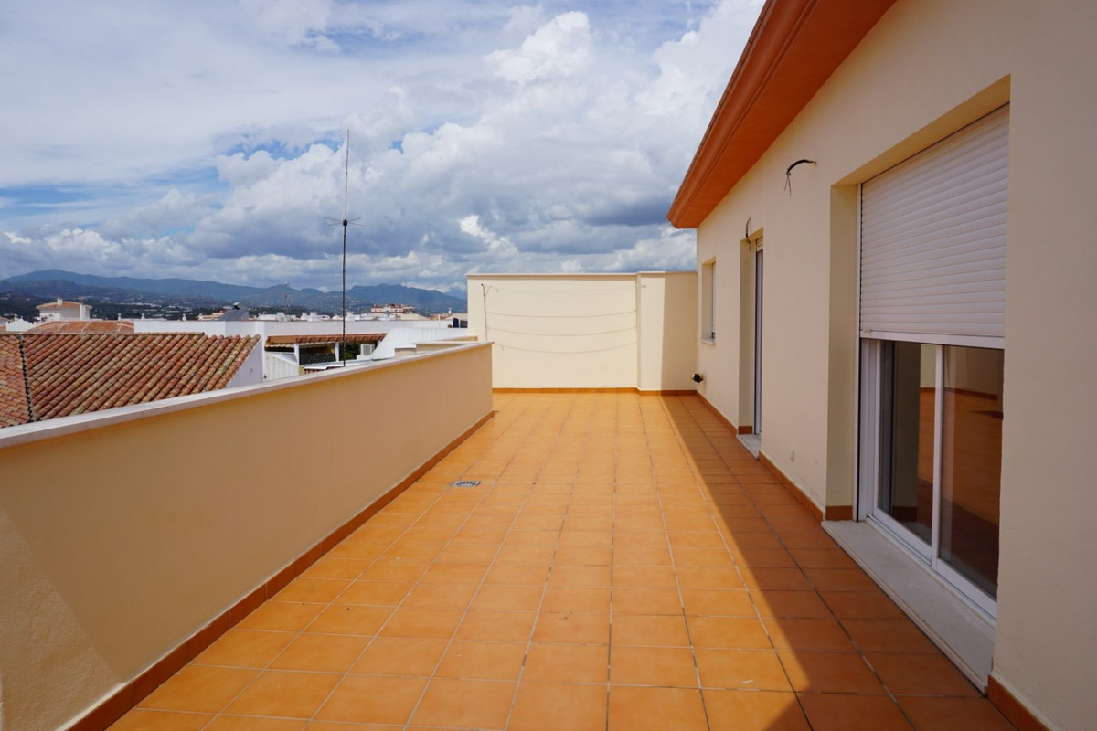 Right in the heart of Velez-Malaga, with all the shops at hand, we offer you this cozy penthouse wit,Spain