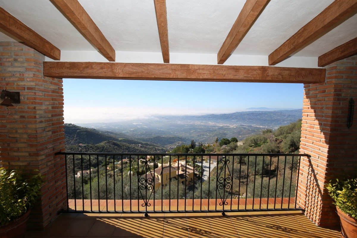 Sale, Finca, Arenas, Malaga, Andalusia  Original country house at Arenas with secede apartment in th, Spain
