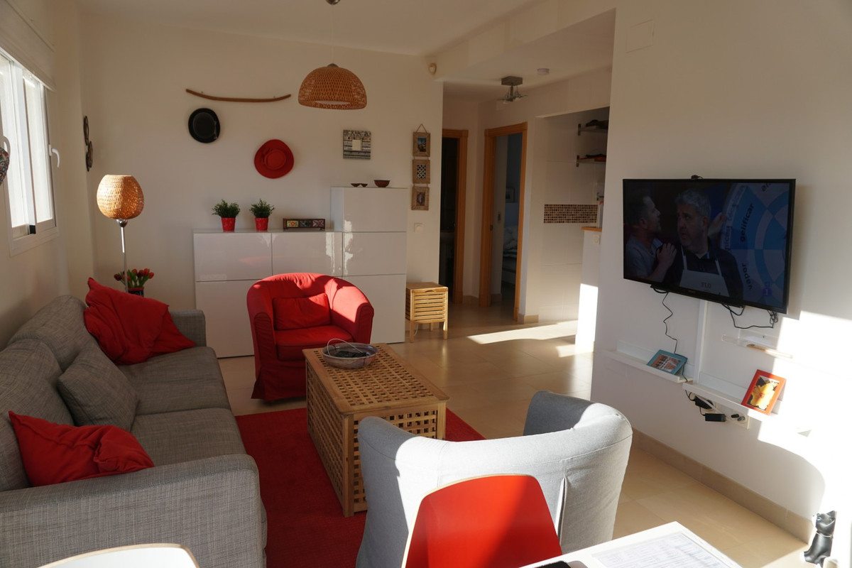 Unique opportunity to buy a beautiful penthouse on the edge of Baviera Golf. Quiet location within w,Spain