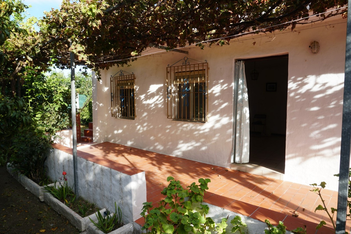 Sale, Finca, Velez-Malaga, Malaga, Andalusia  Nice weekend house on the outskirts of the town of Vel, Spain