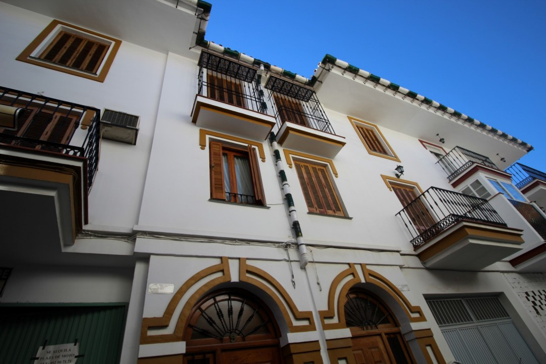 Beautiful and spacious townhouse in Velez-Malaga, consists of a living/dining room with fireplace an, Spain