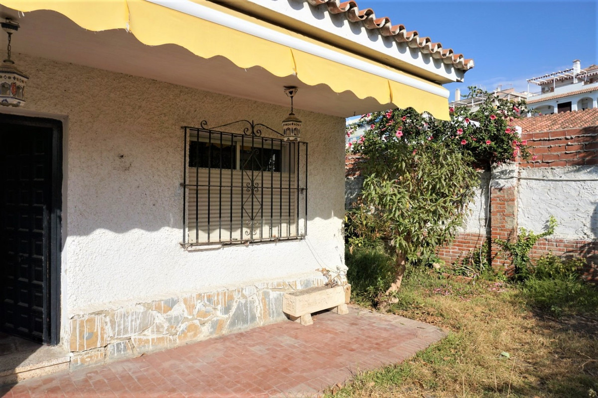 Less than a minute walk to the beach and very close to supermarkets, pharmacy and other shops, you w,Spain