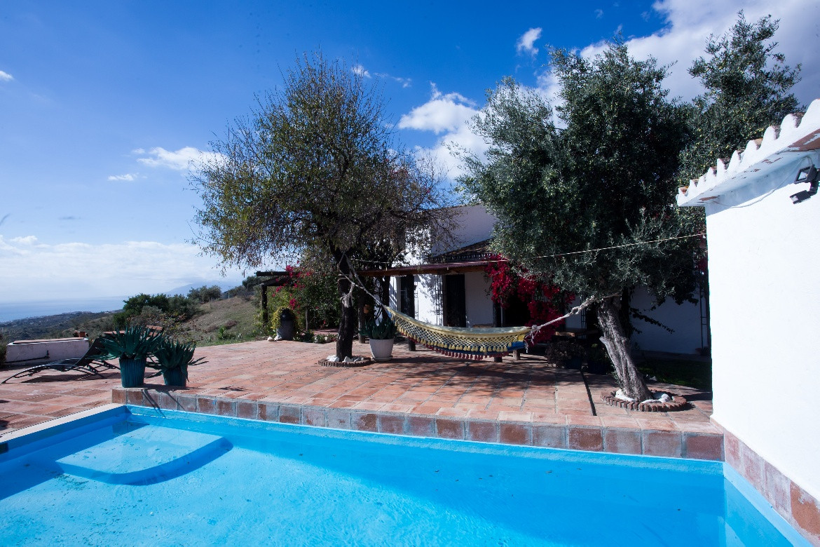 This large Finca Cortijo has a total construction of 311 m2 and the property is built in U-shape.  I, Spain