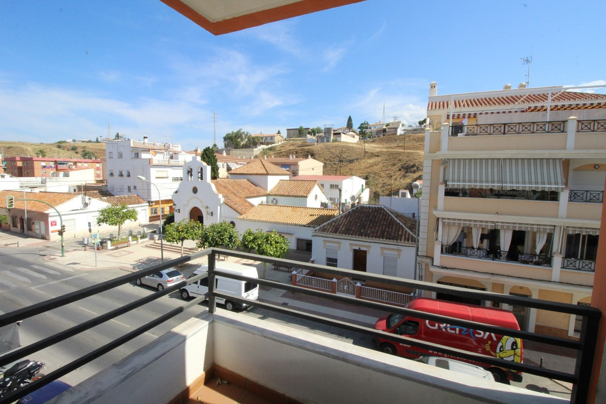 Apartment in the Centre of Caleta de Velez, 100 metres from the sea.  The flats consits of: living/d, Spain