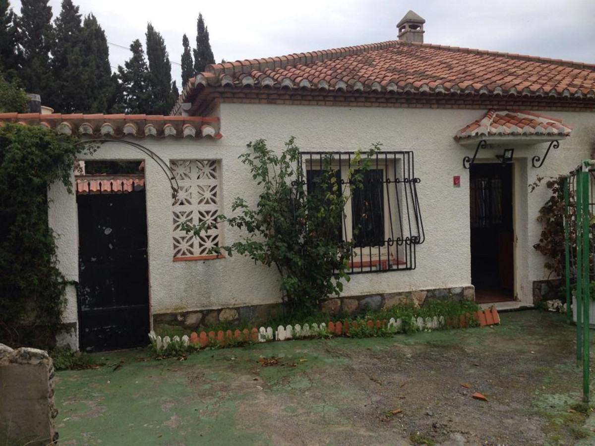 Nice property in the municipality of Almunecar, Granada province.  The property has a total construc, Spain